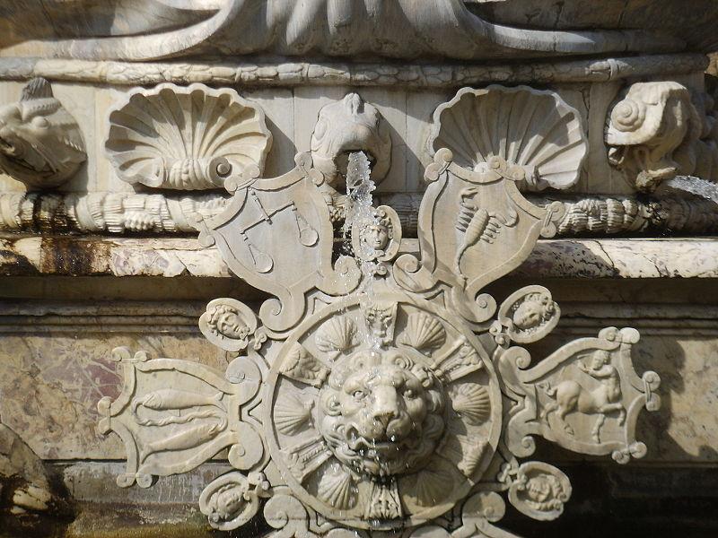 Fontanna Neptuna we Florencji, znaki zodiaku