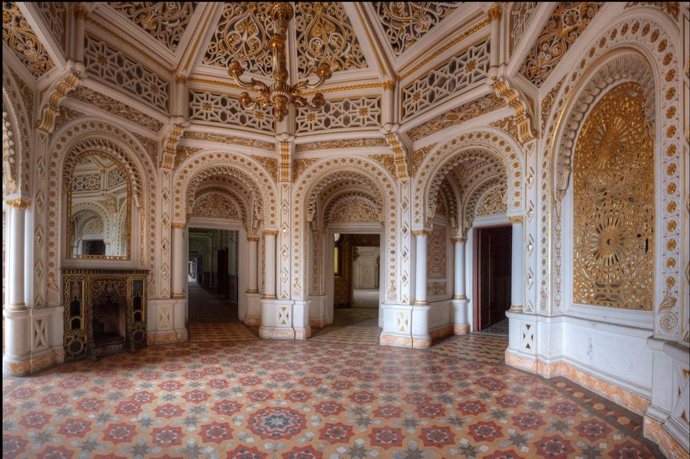 Sala do palenia, zamek Sammezzano w Toskanii