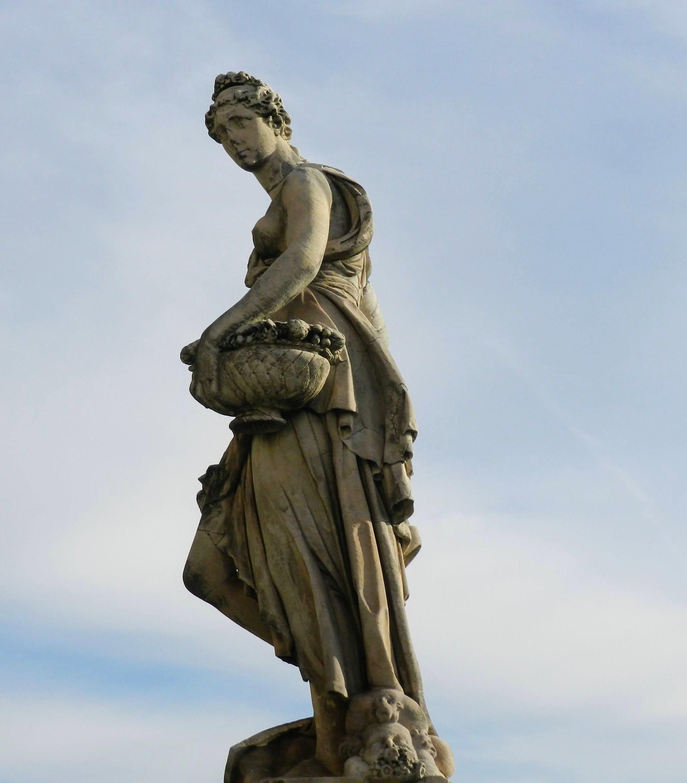 Kobiety Florencji, Primavera, Most Santa Trinita